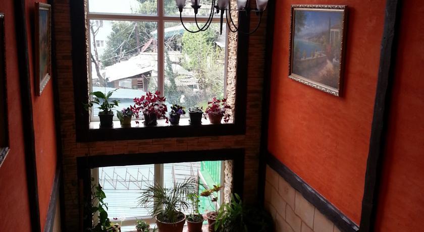 Pogostite.ru - МАЛИБУ МИНИ-ОТЕЛЬ (поселок Лазаревское, 500 м от ж/д станции) #8