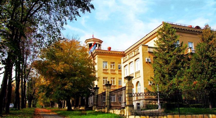 Pogostite.ru - ШАХТЕР (Г. ЕССЕНТУКИ, ВОЗЛЕ МИНЕРАЛЬНОГО ИСТОЧНИКА) #10