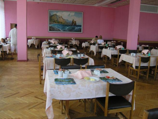 Pogostite.ru - СЕВАСТОПОЛЬ БАЗА ОТДЫХА (г. Севастополь, 200 м от пляжа ,Север) #11
