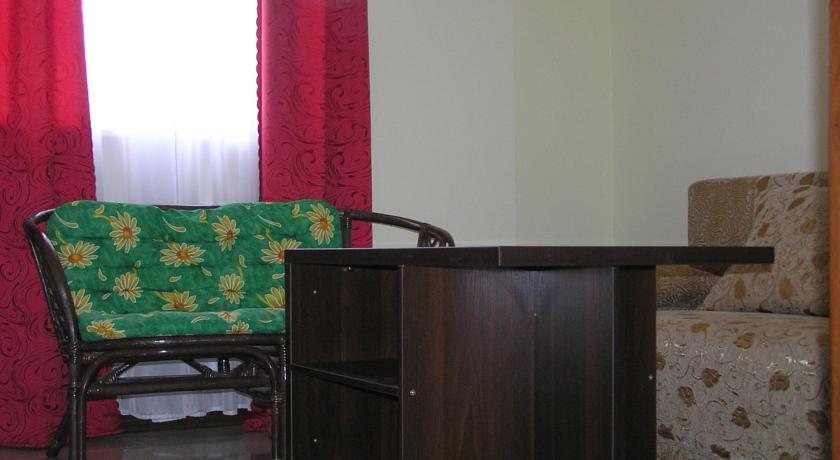 """Pogostite.ru - Гостевой дом """"Ирина"""" (г. Евпатория) #11"""