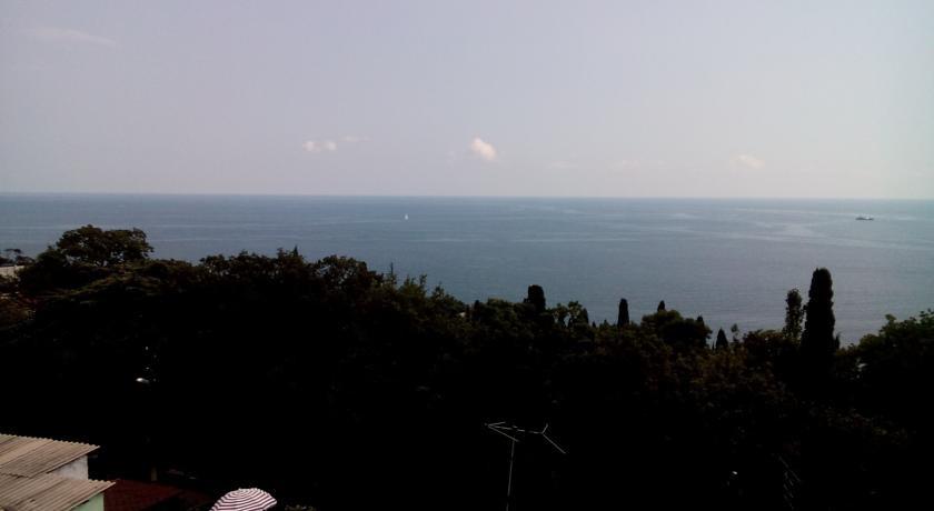Pogostite.ru - Кедр-Восток (г. Алупка, в 10 минутах от побережья Черного моря) #10