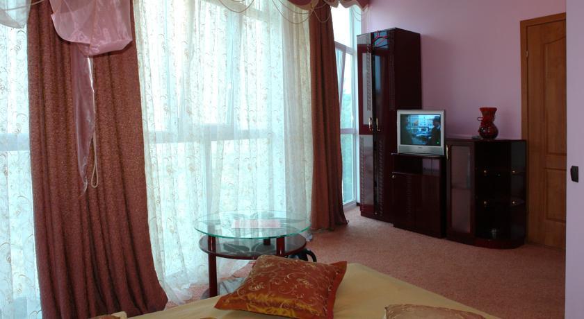 Pogostite.ru - Сота | г. Судак | апартаменты с кухней | парковка #15