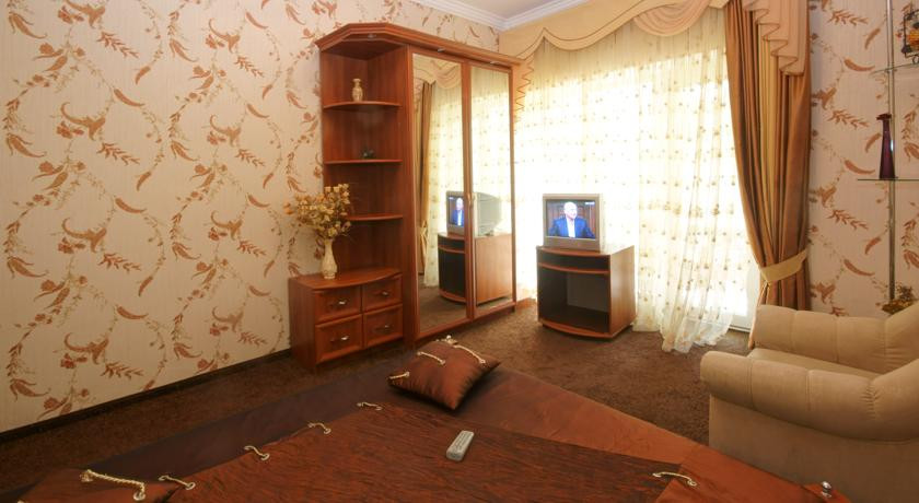 Pogostite.ru - Сота | г. Судак | апартаменты с кухней | парковка #19