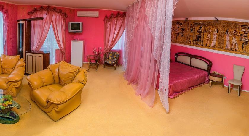 Pogostite.ru - Сота | г. Судак | апартаменты с кухней | парковка #10
