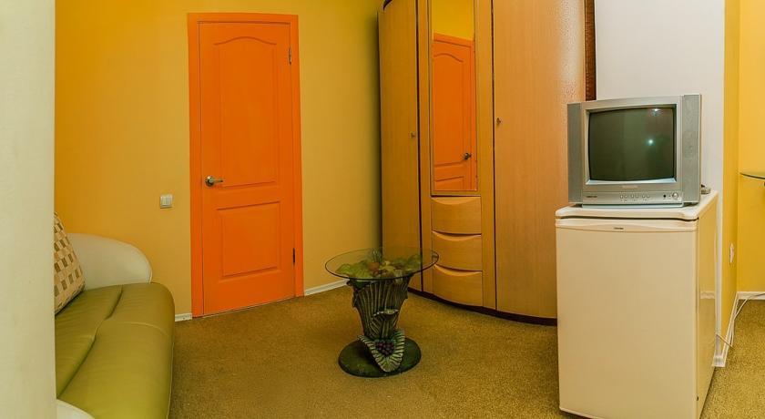 Pogostite.ru - Сота | г. Судак | апартаменты с кухней | парковка #14