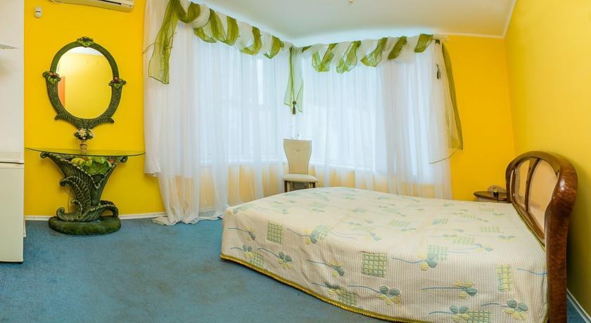 Pogostite.ru - Сота | г. Судак | апартаменты с кухней | парковка #16