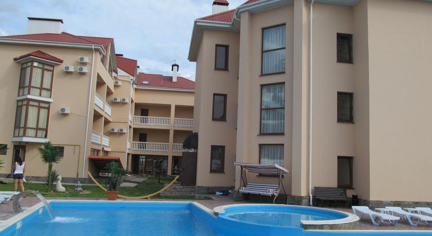Pogostite.ru - Вилла Александрия | г. Судак | в 10 минутах от моря | бассейн | номера с балконами #4
