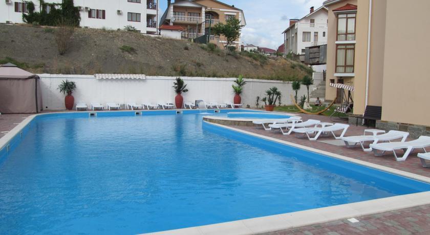 Pogostite.ru - Вилла Александрия | г. Судак | в 10 минутах от моря | бассейн | номера с балконами #5