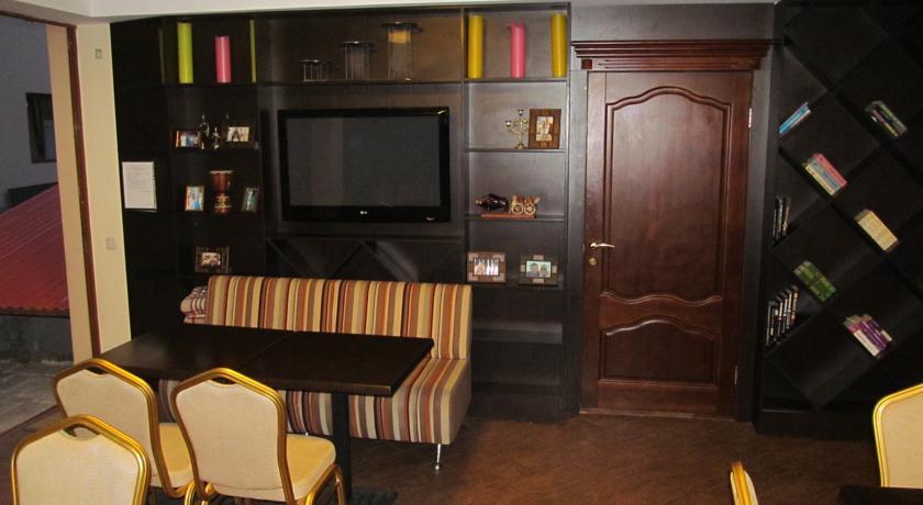 Pogostite.ru - Вилла Александрия | г. Судак | в 10 минутах от моря | бассейн | номера с балконами #24