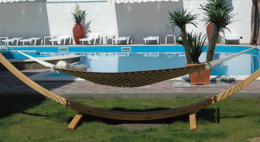 Pogostite.ru - Вилла Александрия | г. Судак | в 10 минутах от моря | бассейн | номера с балконами #11