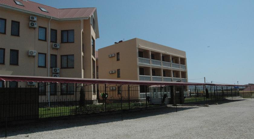 Pogostite.ru - Вилла Александрия | г. Судак | в 10 минутах от моря | бассейн | номера с балконами #13