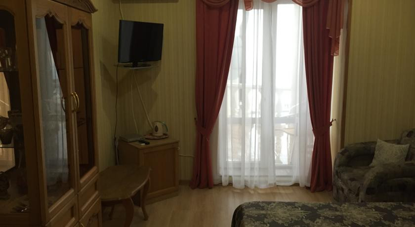 Pogostite.ru - АЛЕКСАНДРИЯ | г. Геленджик | 1 линия | парковка #36