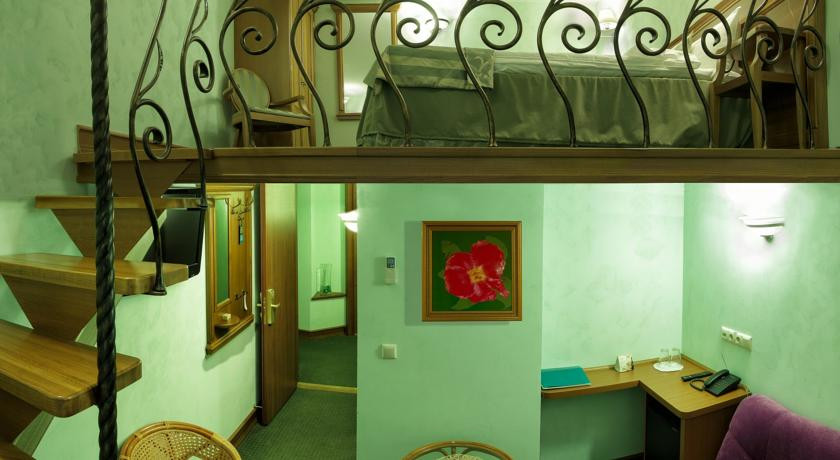 Pogostite.ru - Бутик-отель Три МостА (г. Санкт-Петербург, возле реки Нева) #3