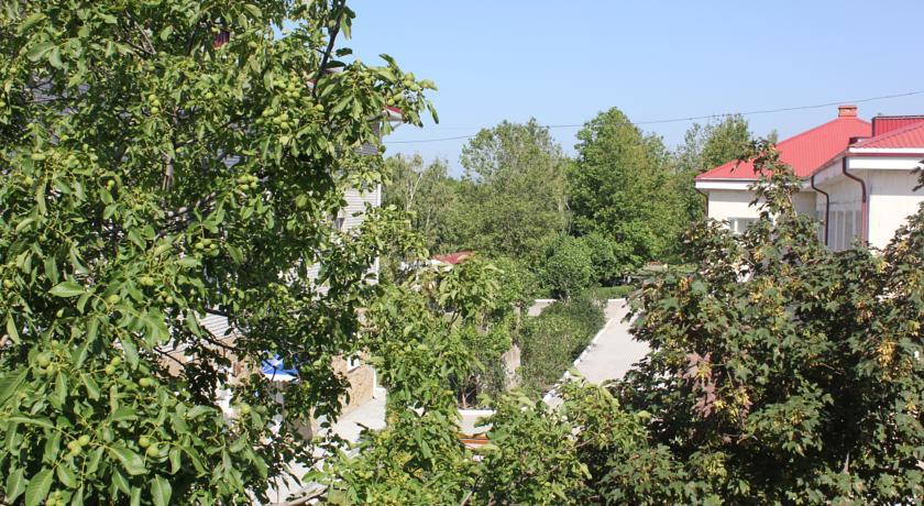 Pogostite.ru - Дамиан | пос. Кабардинка | рядом с автобусной станцией | семейные номер | общая кухня #4