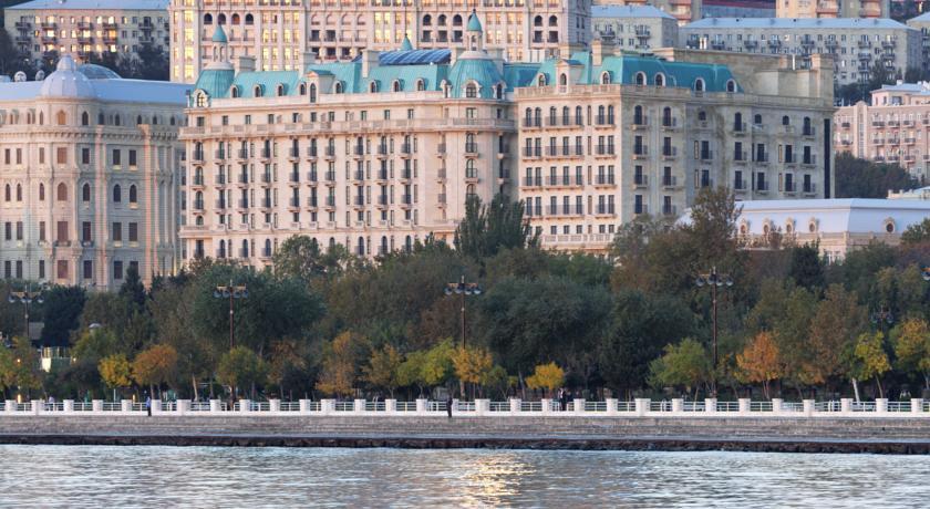 Pogostite.ru - Four Seasons Hotel Baku - Фо Сизонс Хотел Баку | исторический центр | бассейн #2