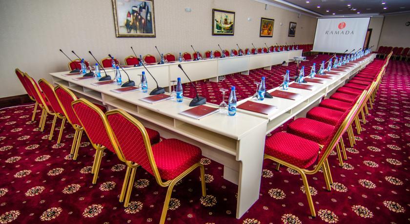 Pogostite.ru - Ramada Baku Hotel - Рамада Баку Хотел | 1-линия | частный пляж | бассейн #30