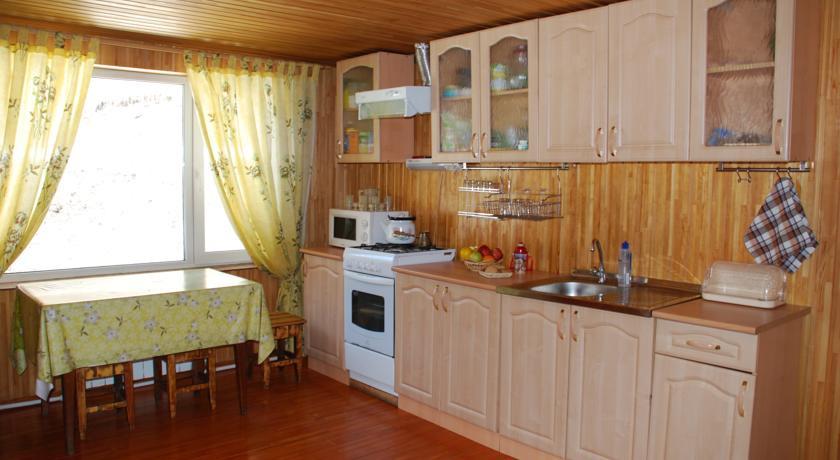Pogostite.ru - Лесная дача | лыжный подъемник | озеро | предгорья Алтая #12