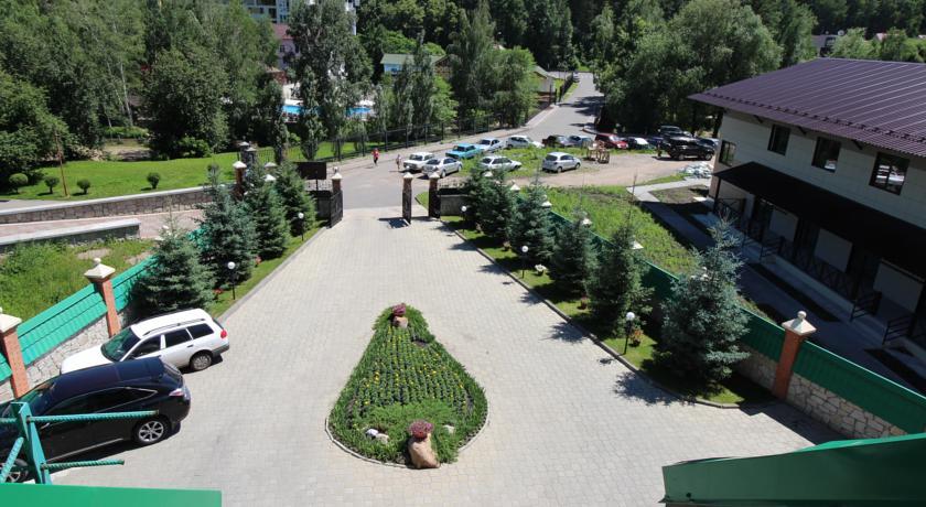 Pogostite.ru - Беркут | подъемник Катунь 1 |  бассейн | ресторан Пятое колесо #7