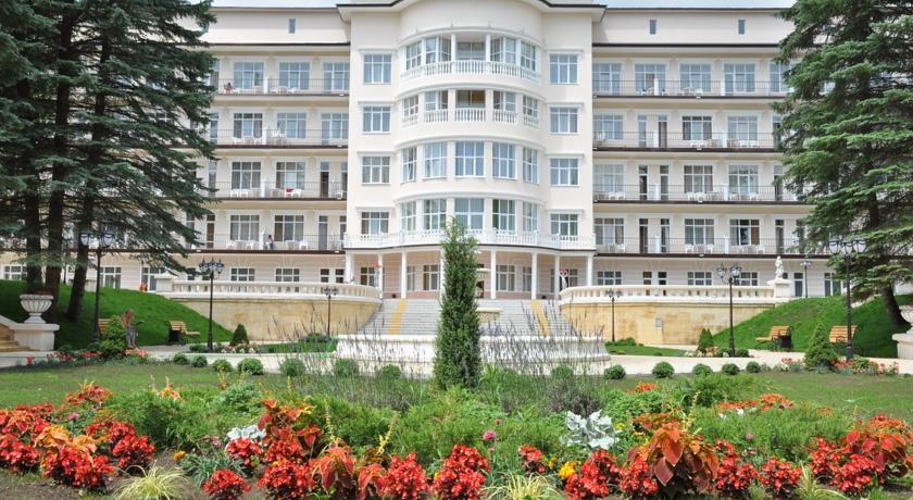 Pogostite.ru - САНАТОРИЙ ЦЕНТРОСОЮЗА (г. Кисловодск, центр, Курортный парк) #1