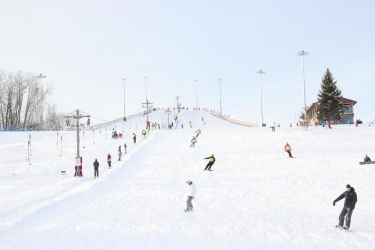 Pogostite.ru - Y.E.S. | Стризнево | прокат лыж | парковка #2