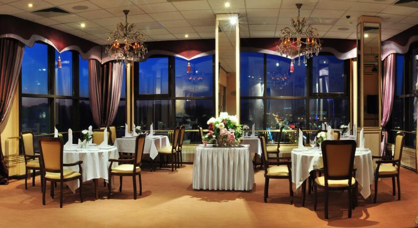 Pogostite.ru - Отель Тура | г. Тюмень | Текутьевский бульвар | Бильярд | #9