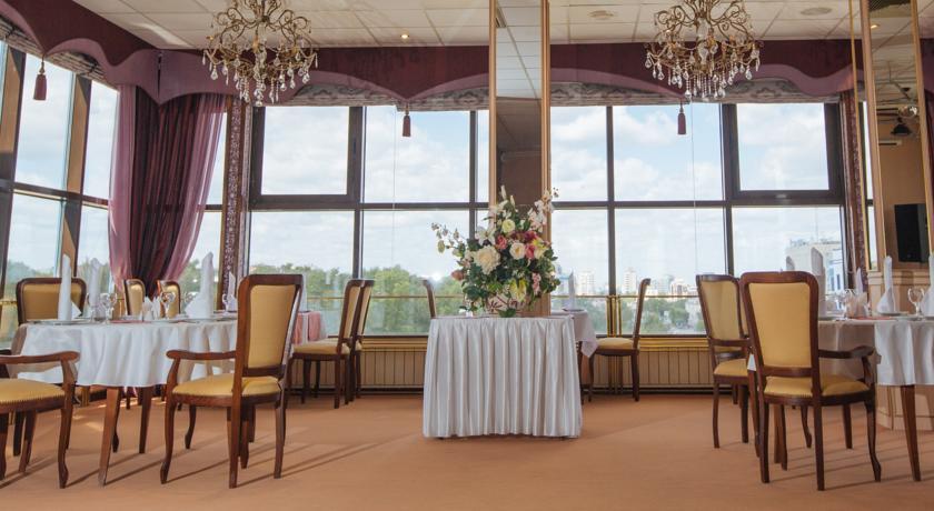Pogostite.ru - Отель Тура | г. Тюмень | Текутьевский бульвар | Бильярд | #18