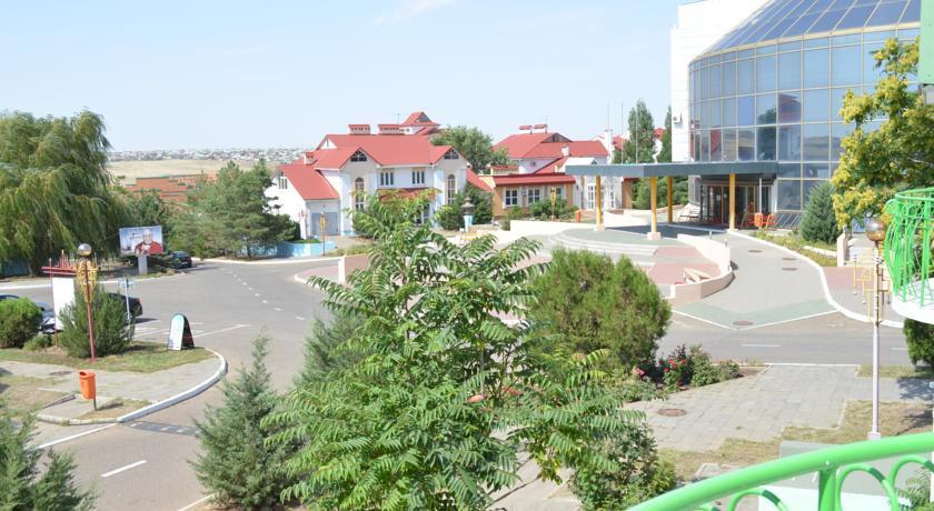 Pogostite.ru - Город Шахмат  |г. Элиста|возле художественной выставки Предметы буддийского культа| #4