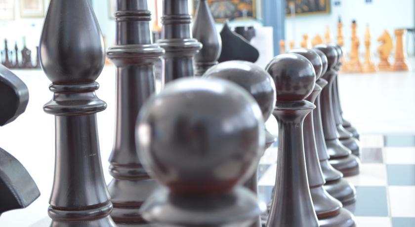 Pogostite.ru - Город Шахмат  |г. Элиста|возле художественной выставки Предметы буддийского культа| #8