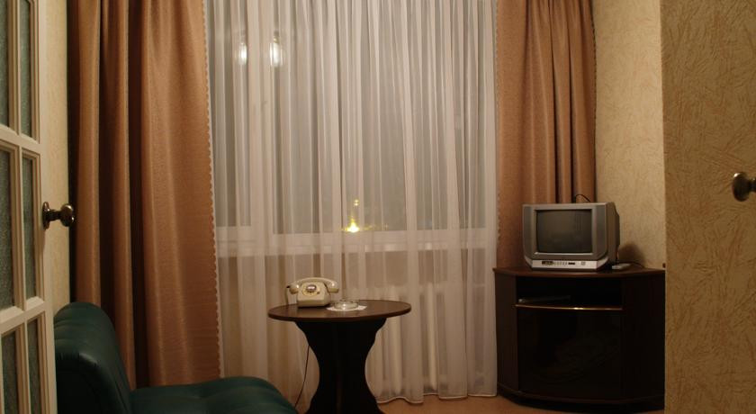 Pogostite.ru - Дружба | Дзержинск | сквер на площади Дзержинского | бизнес-центр | #9