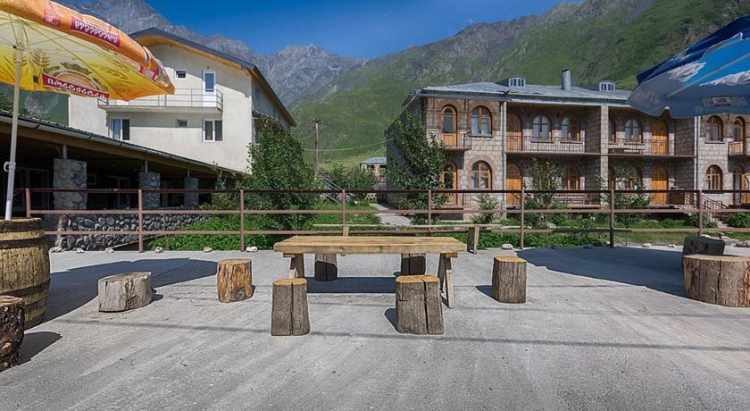 Pogostite.ru - Nini | Нини | Казбеги | местный парк | верховая езда | #3
