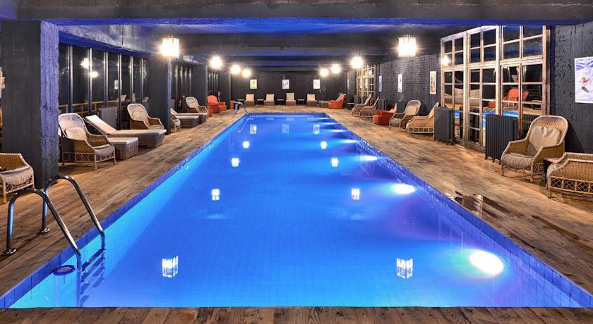 Pogostite.ru - Rooms Hotel Kazbegi | Румс Готель | Казбеги | река Терек | конференц-зал | #24