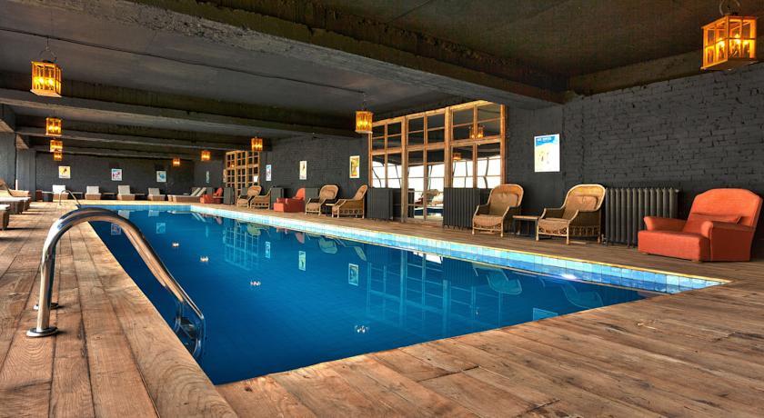 Pogostite.ru - Rooms Hotel Kazbegi | Румс Готель | Казбеги | река Терек | конференц-зал | #25