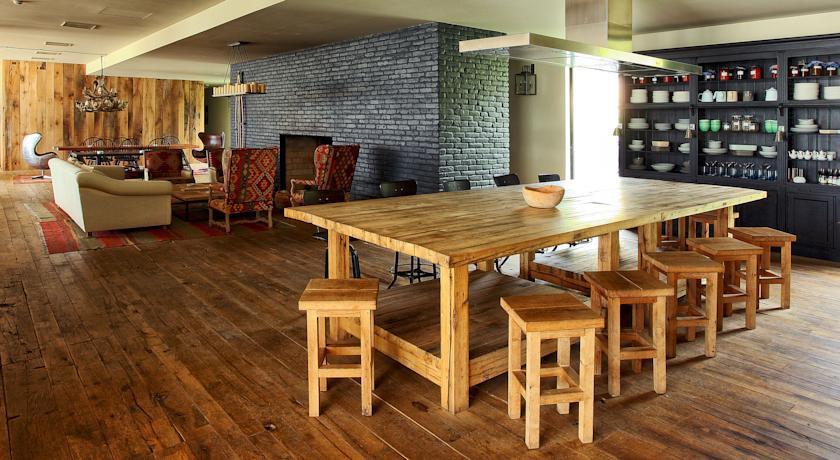 Pogostite.ru - Rooms Hotel Kazbegi | Румс Готель | Казбеги | река Терек | конференц-зал | #34