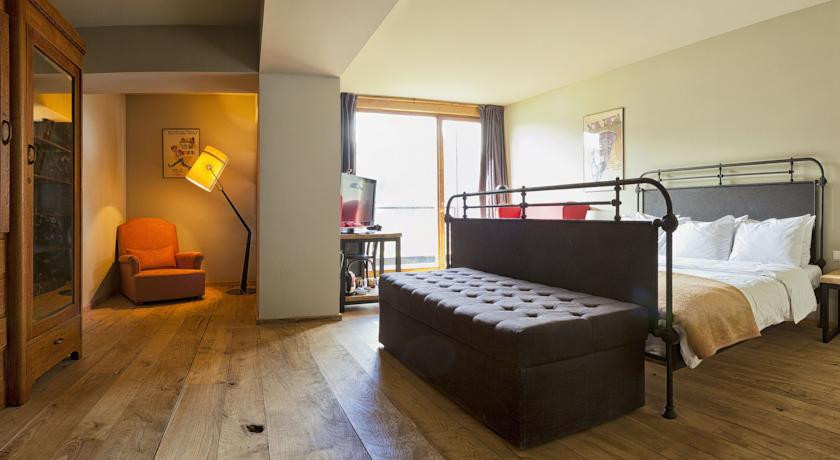 Pogostite.ru - Rooms Hotel Kazbegi | Румс Готель | Казбеги | река Терек | конференц-зал | #19
