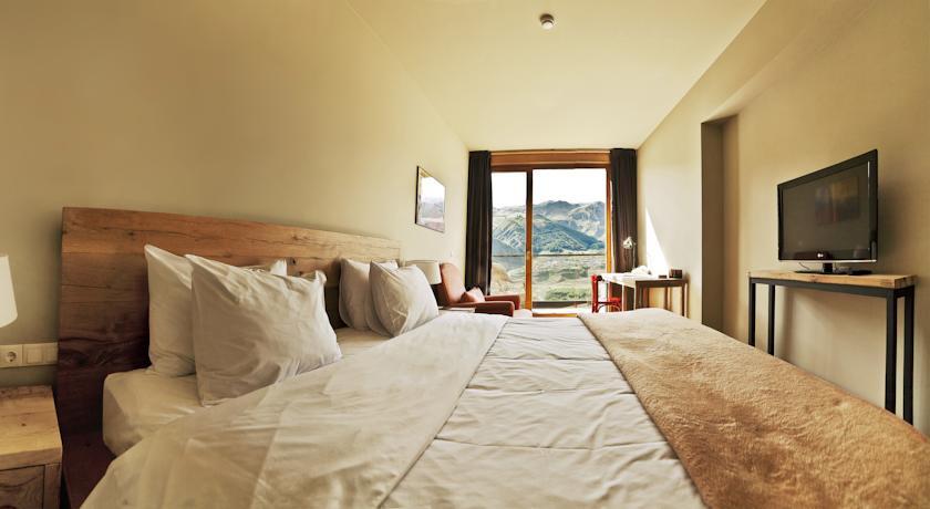 Pogostite.ru - Rooms Hotel Kazbegi | Румс Готель | Казбеги | река Терек | конференц-зал | #22