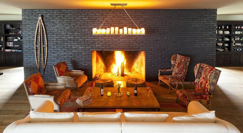 Pogostite.ru - Rooms Hotel Kazbegi | Румс Готель | Казбеги | река Терек | конференц-зал | #18