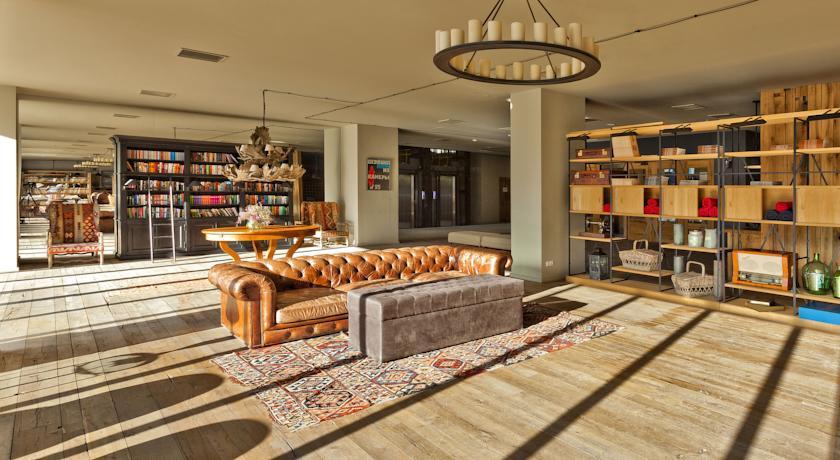 Pogostite.ru - Rooms Hotel Kazbegi | Румс Готель | Казбеги | река Терек | конференц-зал | #39