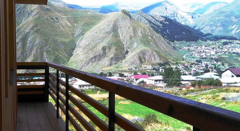 Pogostite.ru - Alpenhaus B&B   Алпенхаус Б енд Б   Казбеги   лыжный курорт   катание на лыжах   #12