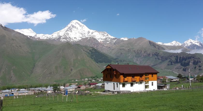 Pogostite.ru - Alpenhaus B&B   Алпенхаус Б енд Б   Казбеги   лыжный курорт   катание на лыжах   #9