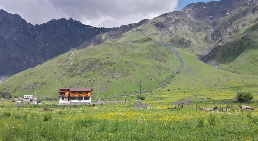Pogostite.ru - Alpenhaus B&B   Алпенхаус Б енд Б   Казбеги   лыжный курорт   катание на лыжах   #6