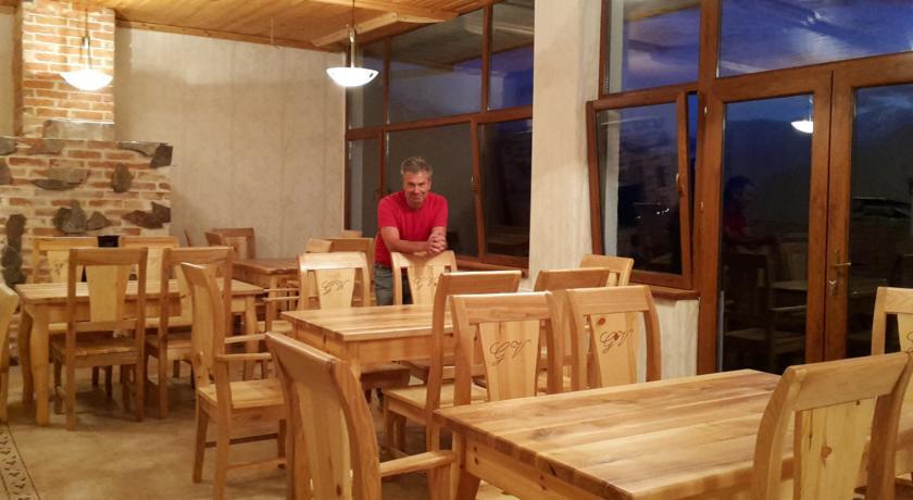 Pogostite.ru - Alpenhaus B&B   Алпенхаус Б енд Б   Казбеги   лыжный курорт   катание на лыжах   #14