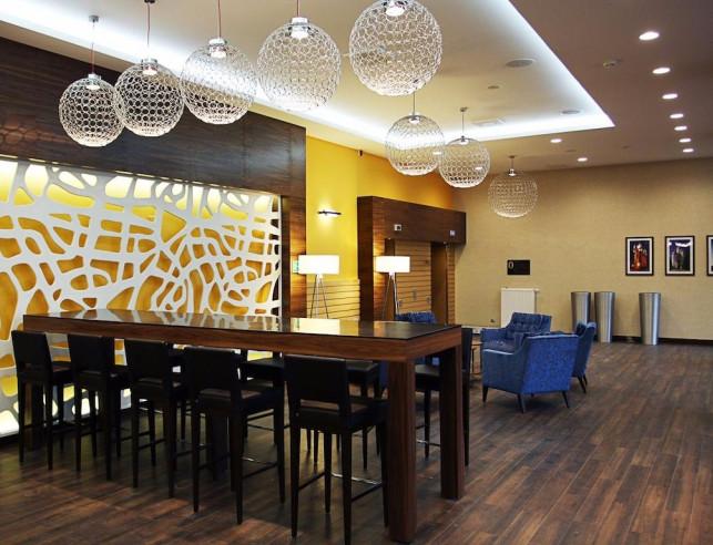 Pogostite.ru - Hampton by Hilton Volgograd Profsoyuznaya | Хэмптон бай Хилтон Волгоград Профсоюзная | Волгоград | Сквер Саши Филиппова | Библиотека #7
