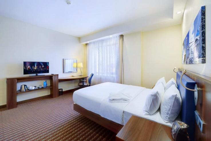 Pogostite.ru - Hampton by Hilton Volgograd Profsoyuznaya | Хэмптон бай Хилтон Волгоград Профсоюзная | Волгоград | Сквер Саши Филиппова | Библиотека #26