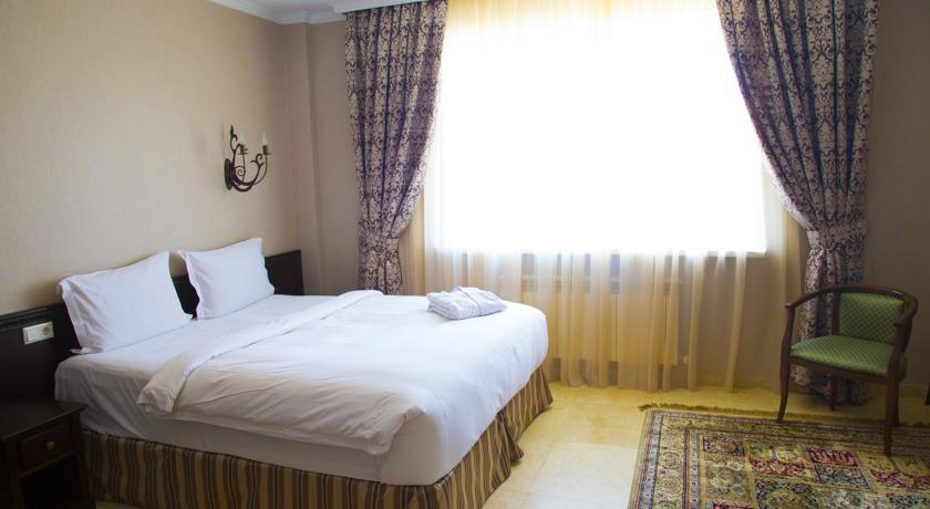 Pogostite.ru - Royal Petrol Hotel | Алматы | возле Family Park | интернет, парковка| #9