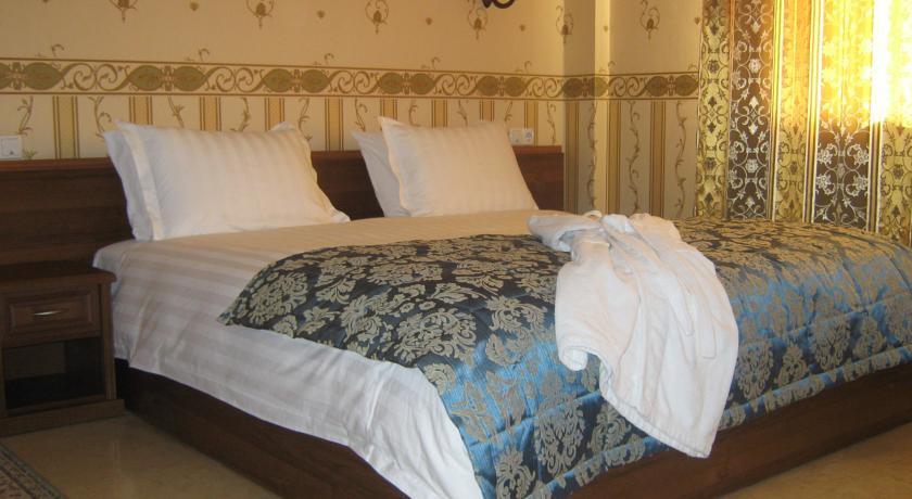 Pogostite.ru - Royal Petrol Hotel | Алматы | возле Family Park | интернет, парковка| #11