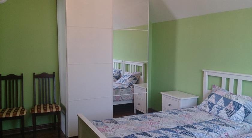 Pogostite.ru - У ЗУЛИ | г. Архыз | Гостинный дом | Парковка #15