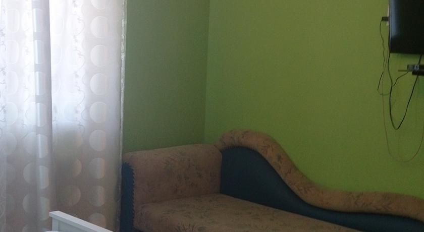 Pogostite.ru - У ЗУЛИ | г. Архыз | Гостинный дом | Парковка #17