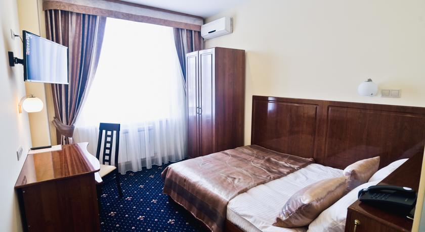 Pogostite.ru - Виктория | г. Уральск | Торговый центр Орал | Парковка | #6