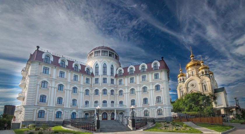 Pogostite.ru - Престиж Гранд Отель | г. Хабаровск | Преображенский собор | С завтраком | #1