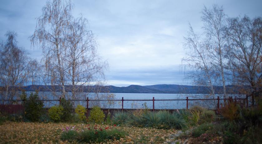 Pogostite.ru - Озеро | пос. Тургояк | Озеро Тургояк | Пляж | Катание на лыжах #6